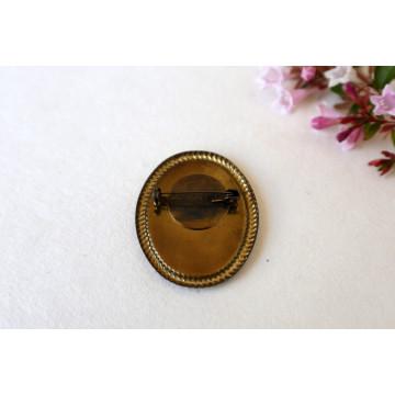 Anja- vintage frame pin